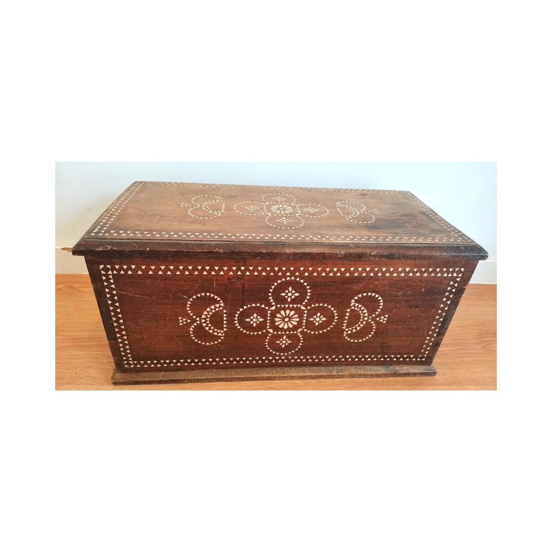 Caja colonial siglo XIX